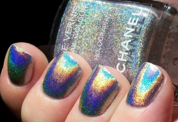 holographic-nail-trend-chanel