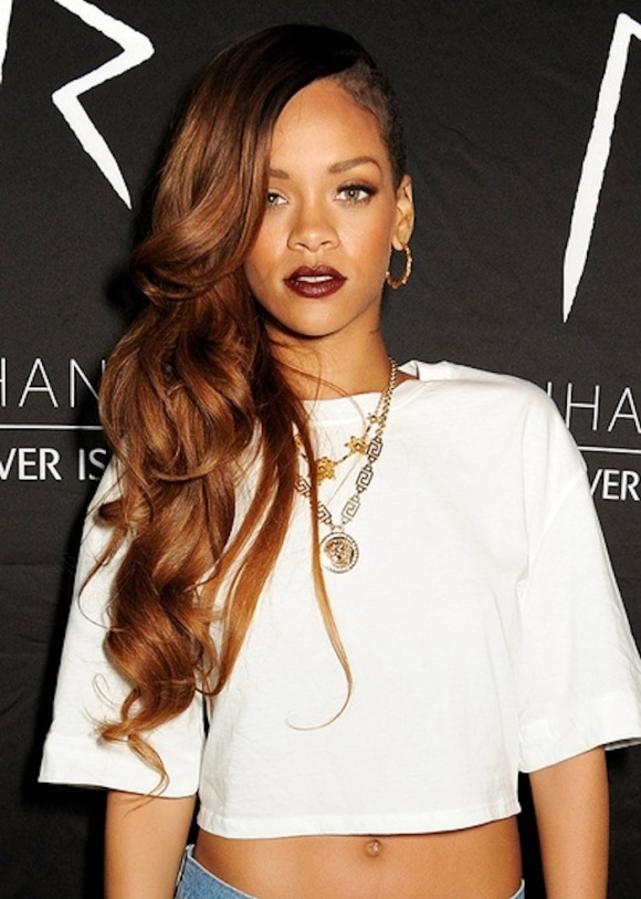 rihanna-dark-lips